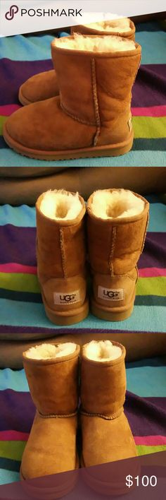 Girls Ugg boots Ugg boots 100% authentic size 11 girls comes without box i threw it away excellent condition still looks brand new if you would like you can maybe do a cleaning or brushing or not excellent condition:) PRICE IS FIRM uggs Shoes Winter & Rain Boots