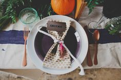 autumn harvest place setting // photo by Red White & Green Photography // http://ruffledblog.com/nature-inspired-autumn-wedding