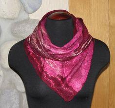 Бактус — это шарф-косынка треугольной формы. Шарф такой формы недавно…