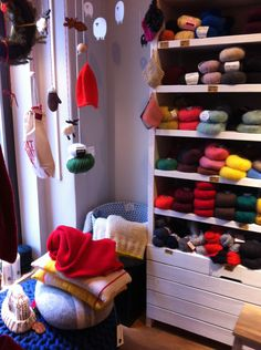 Yarn Shoping in Berlin: KNITKNIT in Mitte. and they have a lot of blue yarn there! Berlin Shopping, Yarn Shop, Shoe Rack, Home, Viajes, Shoe Racks, Ad Home, Homes, Haus