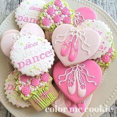 Dance recitals. #dance #dancerecitals #cookies #ballet #flowers #cookiefun #decoratedcookies #royalicing #royalicingart #royalicingcookies #sugarcookies #cookiesofinstagram #colormecookie