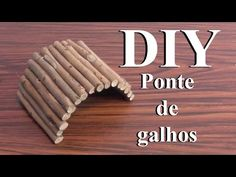 DIY How to make a bendy bridge for hamster Diy Hamster Toys, Hamster Life, Diy Bird Toys, Rat Toys, Hamster House, Hamster Habitat, Hamster Cages, Guinea Pig Hutch, Pet Guinea Pigs