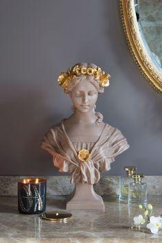 Gold Aesthetic, Aesthetic Room Decor, Marble Bust, Statues, Sculpture Art, Metal Sculptures, Abstract Sculpture, Bronze Sculpture, Mellow Yellow