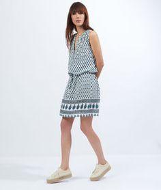 Robe blouse imprimée, lien taille bleu/vert/blanc cassé.