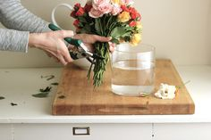 Jenny Steffens Hobick: DIY Sweetheart Rose Arrangement | Coral, Peach and Pale Pink Roses