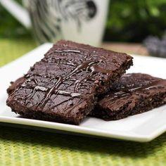 """Gefällt 164 Mal, 7 Kommentare - Diana Ruchser (@schwarzgrueneszebra.lc.blog) auf Instagram: """"Auf meinem Blog gibt es ein neues Rezept für leckere #lowcarb Brownies. Die sind ohne Mehl und…"""""""