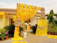 8 Wedding Gate Decoration Ideas That No One Will Forget Wedding Hall Decorations, Desi Wedding Decor, Marriage Decoration, Ballon Decorations, Boho Wedding, Dream Wedding, Wedding Gate, Wedding Entrance, Wedding Mandap
