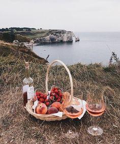 Wine by the ocean  audreygrace16 on pinterest & audrey_baenziger on insta love you loves!