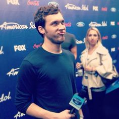 Phillip Phillips. Isn't he adorable? His performances never fail to give me goosebumps.