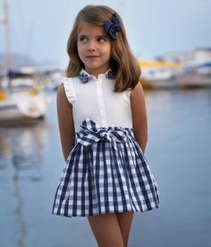 New Moda Infantil 2019 Verano Ideas Toddler Girl Outfits, Kids Outfits, Little Girl Dresses, Girls Dresses, New York Fashion, Baby Dress, Kids Fashion, Clothes For Women, Pattern Ideas