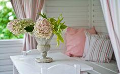 Nábytek ve stylu Provence | Bonami