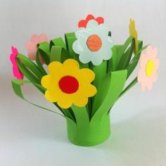 Image handmade flowers craft ideas hosted in Life Trends 1 Construction Paper Flowers, Diy Bouquet, Flower Bouquets, Diy And Crafts, Crafts For Kids, Image Notes, Handmade Flowers, Flower Crafts, Image Sharing