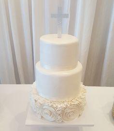 1st communion cakewww.facebook.com #carinaedolce    www.carinaedolce.com Communion, Pillar Candles, Cakes, Facebook, Desserts, Food, Meal, Deserts, Essen