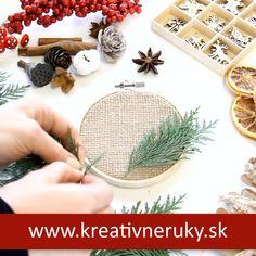 Milá vianočná dekorácia z rámiku na vyšívanie a jutoviny. Christmas Crafts For Adults, Handmade Christmas Decorations, Christmas Ornament Crafts, Diy Christmas Ornaments, Simple Christmas, Holiday Crafts, Christmas Nails, Beautiful Pictures, Massage