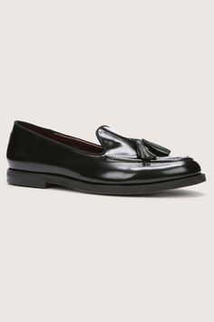 The Best Black Flats For EVERY Budget #refinery29  http://www.refinery29.com/affordable-black-flats#slide10  $50 to $100