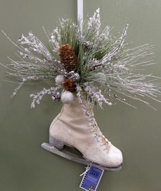 Must find a couple ice skates! Shabby Chic Christmas, Rustic Christmas, Christmas Art, Christmas Holidays, Christmas Wreaths, Christmas Decorations, White Christmas, Jingle All The Way, Merry Little Christmas