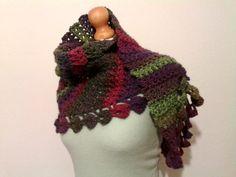 woman scarf/triangle wool scarf/multicolor by IlmondodiTabitha