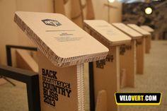 Dévoilé à l'Eurobike, l'original stand en carton Commençal prend forme en E86.