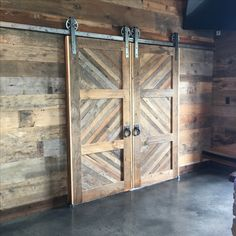 Beautiful barn doors at Stone Crest Venue in McKinney/New Hope, Texas. I want these in my house! 😍
