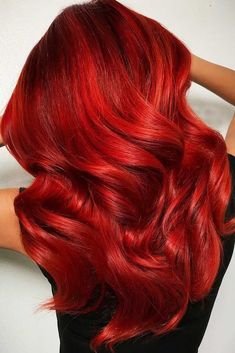 Hair Color 2018 Ravishing Fire Red Balayage If you have completely fallen in love with the c Magenta Hair Colors, Hair Color 2017, Bright Red Hair, Red Hair Color, Cool Hair Color, Red Ombre Hair, Blonde Hair, Red Wigs, Hair Color Balayage