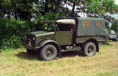 Present at the 'British camp' in Normandy. Vintage Trucks, Old Trucks, 4x4, Bedford Truck, Rc Crawler, Army Vehicles, Military Equipment, Commercial Vehicle, Historical Pictures