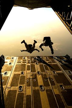 """This honestly looks like the belly of a C-130. Daddy being a Loadmaster, would sometimes """"help"""" them out of the plane. Daddy used to say, whenever he was asked if he ever wished he could join the paratroopers ...""""Now why would I want to jump out of a perfectly good plane"""" LOL"""
