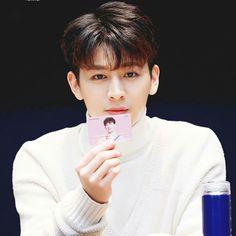 Yun hyeong (Song) ♡ iKON ♡ #iKON_Yunhyeong Pop Bands, Justin Timberlake, Ikon Instagram, K Pop, Mix And Match Ikon, Rhythm Ta, Ikon Songs, Name Songs, Stan Love