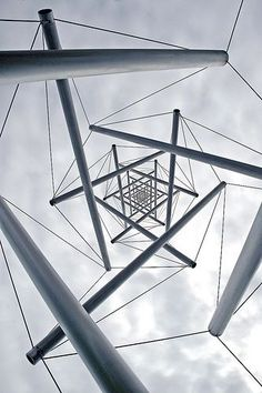 Tensegrity and Bowen