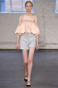 Jill Stuart Spring 2016 Ready-to-Wear Fashion Show - Line Brems - THIS TOP OMGEE