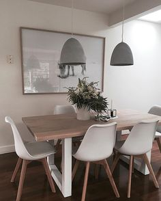 If you have not already, I highly recommend that you check out @totemroad and their beautiful range of furniture. I've used them a few times now for different projects, including this lovely dining table, and each time their pieces are just beautiful.