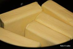 Geklärte Butter / Ghee im Crocky - sabo (tage) buch Geklärte Butter, Dairy, Cheese, Food, Dry Fryer, Kochen, Essen, Yemek, Meals