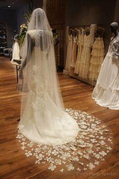 Wedding Veil, for more visit: www.facebook.com/Gelinligimm