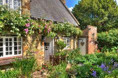 Small Cottage Homes, Farm Cottage, Garden Cottage, Cottage Living, Southern Cottage, Backyard Cottage, Rustic Cottage, French Cottage, Cottage Exterior