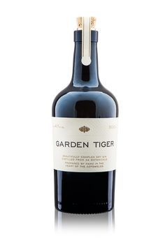 Garden-Tiger-Dry-Gin-Bottle.png (PNG Image, 1000 × 1500 pixels) - Scaled (72%)