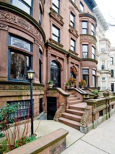 Our rental is in brownstone built in 1910 and is on a landmarked block in the Park Slope Brooklyn. The rental with private entrance is a 1 bedroom + that sleeps 4 adults. The front living room has a high quality fold out ...