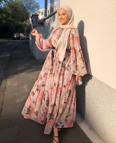 Hijab Fashion Summer, Modest Fashion Hijab, Modern Hijab Fashion, Street Hijab Fashion, Modesty Fashion, Hijab Fashion Inspiration, Islamic Fashion, Abaya Fashion, Muslim Fashion