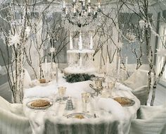 Winter White Whimsy... looks like a setting for the snow queen herself.