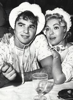 In a young Burt Reynolds (just and Lori Nelson (How to Marry a Millionaire) attended clothier Sy Devore's costume ball as infants. Reynolds made his television debut in Riverboat that year. Golden Age Of Hollywood, Hollywood Actor, Classic Hollywood, Celebrity Deaths, Celebrity Photos, Burt Reynolds, Smokey And The Bandit, Actors Male