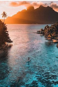Beautiful Islands, Beautiful Places, Bora Bora Photos, Tahiti Vacations, Quelques Photos, Turquoise Water, White Sand Beach, South Pacific, Solo Travel