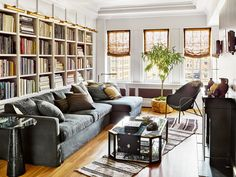 Nate Berkus & Jeremiah Brent Greenwich Village home in Architectural Digest Nate Berkus, Architectural Digest, Jeremiah Brent, Manhattan Apartment, New York City Apartment, Penthouse Apartment, Dream Apartment, Greenwich Village, New York Homes