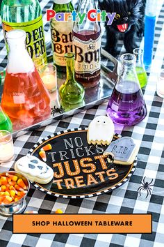 Don't just set the table. Set the mood for Halloween. Shop Party City for Halloween decorations. Party City Halloween Decorations, Halloween Food For Party, Halloween Birthday, Halloween House, Holidays Halloween, Baby Halloween, Halloween Treats, Witch Party, Spooky Halloween