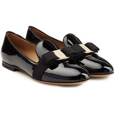 Salvatore Ferragamo Patent Leather Loafers (113.465 HUF) ❤ liked on Polyvore featuring shoes, loafers, flats, black, slip-on shoes, black patent loafers, black patent leather loafers, black bow flats and black loafers