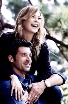 Ellen Pompeo and Patrick Dempsey aka Merideth and Derek from the hit show greys anatomy . Such a cute and loving couple // #greys #anatomy #greysanatomy #couple #goals #tvshows