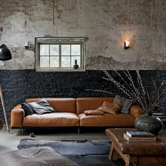 News, Tips & Advice - Half Painted Walls - Direct Paint Australia's online paint experts. Quality products, delivered to your door. Dark Interiors, Wood Interiors, Half Painted Walls, Masculine Interior, Living Spaces, Living Room, Interiores Design, Interior Styling, Rv Interior