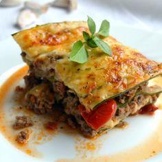 Amazing food i get to eat. Homemade Spinach Lasagna Recipe, China Food, Recipe Images, Ciabatta, Mozzarella, Quiche, Tacos, Treats, Cooking