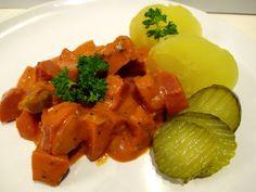 """Tinskun keittiössä: Makkarasroganoff helppoa, halpaa arkiruokaa ja """"mullistavat kevytperunat"""""""