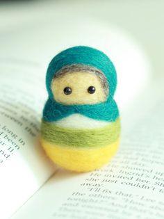 Muñeca aguja Felted hecha a mano de lana  por emhocollections, $18.00