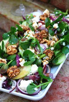 Purslane salad w/ feta, walnut, res onion, cucumber Mexican Food Recipes, Real Food Recipes, Cooking Recipes, Healthy Recipes, Purslane Recipe, Healthy Salads, Healthy Eating, Good Food, Yummy Food