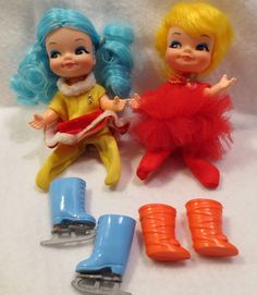 Cute-Pair-Vinage-Remco-Finger-Ding-Finger-Puppet-Dolls-w-Shoes-Skates