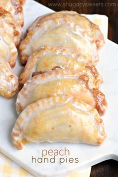 Dessert is ready in 30 minutes with these Glazed Peach Hand Pies! The flaky… Dessert is ready in 30 minutes with these Glazed Peach Hand Pies! The flaky… Peach Hand PiesThis dessert can be greatDessert – Mascarpone Kaff Weight Watcher Desserts, Peach Pie Filling, Easy Peach Pie, Apple Filling, Baked Peach, Refrigerated Pie Crust, No Bake Pies, Snacks, Sweet Recipes